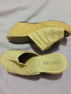 Wedge abacca