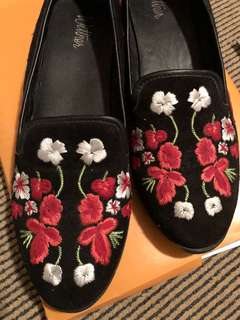 Embroidered flats floral black