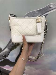 Chanel Gabrielle bag small size 白色