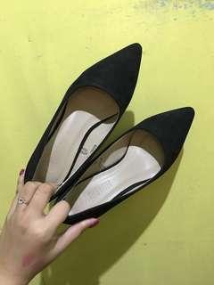 Parisian Black Pointy Heels
