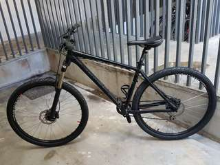 "Giant Talon 29"" MTB"