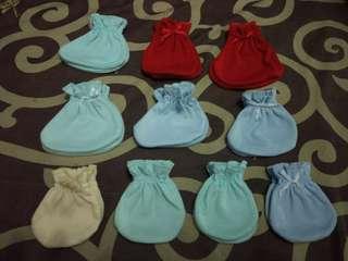Sarung tangan + kaki bayi