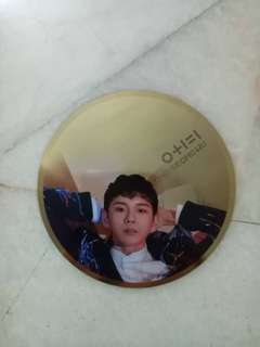 Wanna One ong IPU mirror card