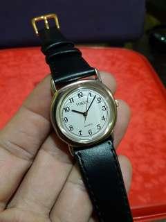 Voken    her watch
