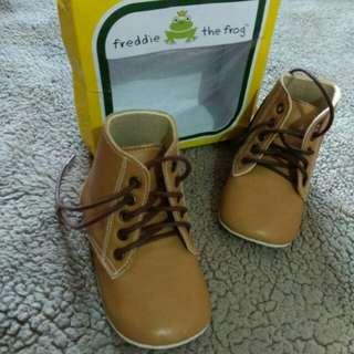 Preloved boots sepatu prewalker Freddie the frog