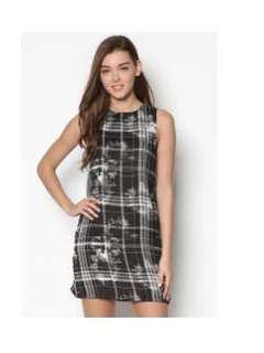Zalora Essential Printed Sleeveless Dress