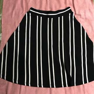 Woman stripe skirt