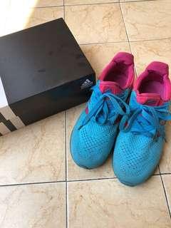 Sepatu addidas / sport shoes