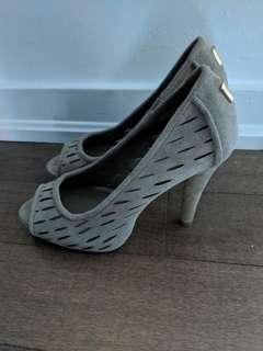 BCBG suede heels 5.5