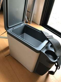 Thermoelectric Travel Cooler and Warmer