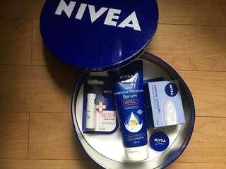 Nivea Creme Set with Tin Can