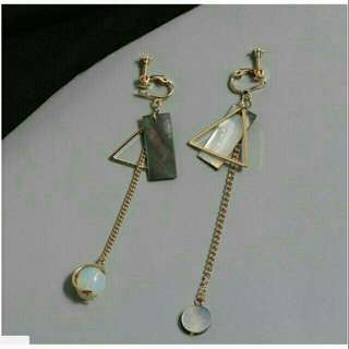 Anting segitiga panjang elegant korea import