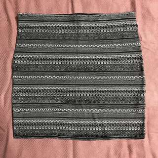 Woman Pull n Bear tribal skirt