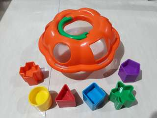 Learning Pumpkin Shape Sorter