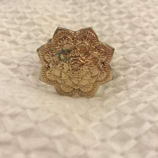 Floral mandala ring