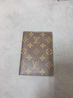 🚚 LV M60181 經典Monogram卡夾護照套出清價4500