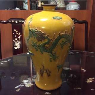 Hand-crafted Exquisite Double Dragon Porcelain Vase