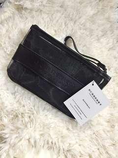 Burberry 黑色化妝袋
