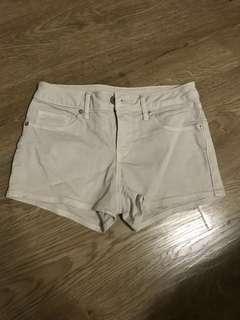 🚚 Uniqlo 灰白色短褲23號