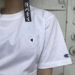 Champion small heart logo tee in blk or white