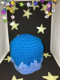Small blue beanies/ hat for babies (handmade/ knitted)