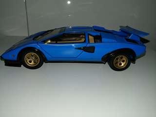 Diecast model car 1:18