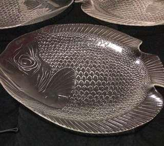 BRAND NEW       4 Large Glass Fish SERVING PLATES