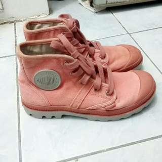 Palladium Boots (Womens Size 5-6)
