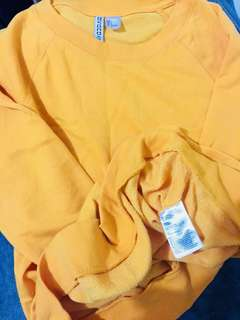 Custard pull over never been used padala from canada