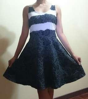 Jessica Simpson B&W Dress (size M)
