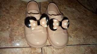 Jual sepatu anak perempuan barang import dari cina langsung (bahan karet/jelly) size 29 ukuran luar. Bisa dipakai ukuran 30-31