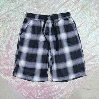 格子中性短褲