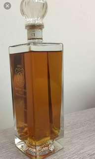 罕有老日威,1992年出品,Suntorv Crest 威士忌700ml without box.