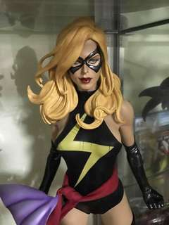 FS Sideshow Ms Marvel Reg and Captain Marvel EX as set