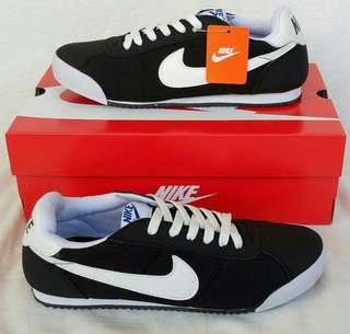 Nike Marqueen Black White