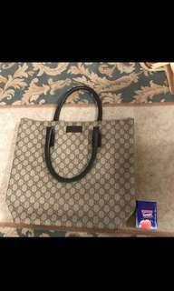 Gucci Handbag 100%Real 70%new