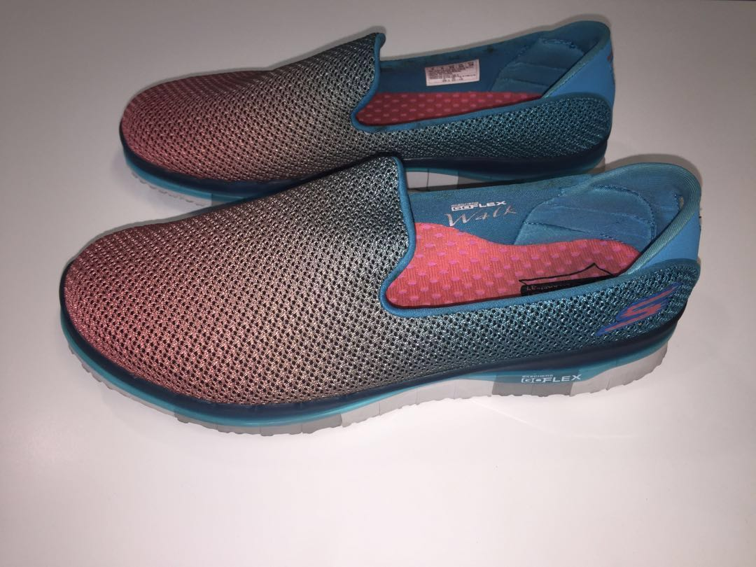 Skechers GO FLEX WALK shoes (Brand New