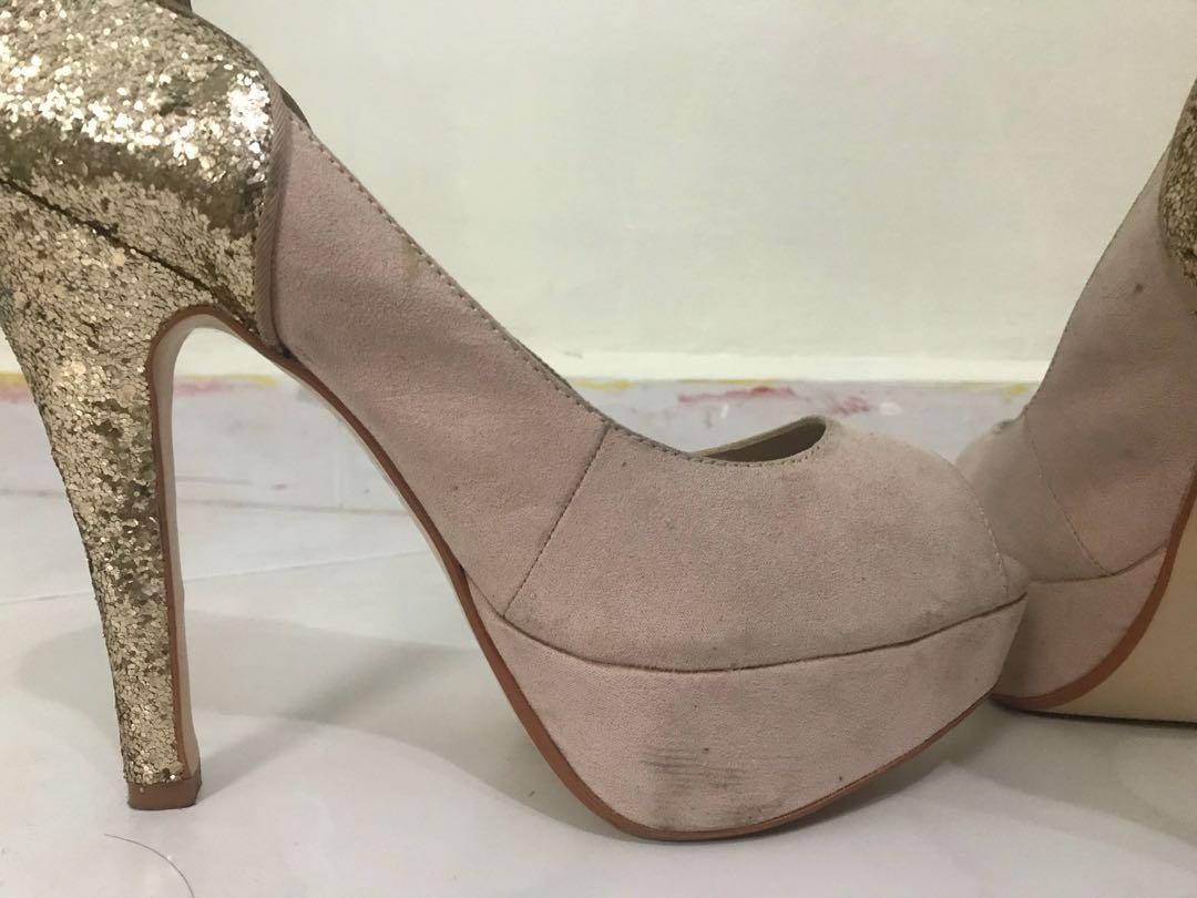 3b367fcb81 Dorothy Perkins Suede Nude Gold Glitter Heels UK 6 / US 8 / Eu 39, Women's  Fashion, Shoes, Heels on Carousell