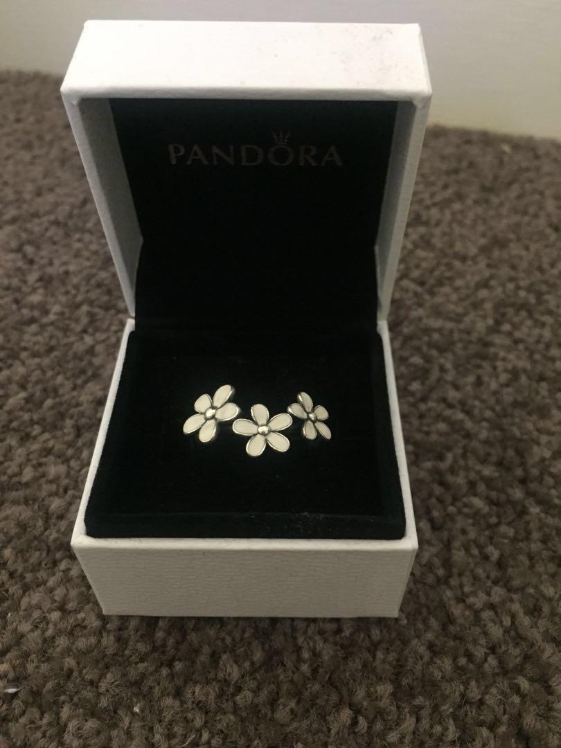 Pandora 3 daisy ring size 54