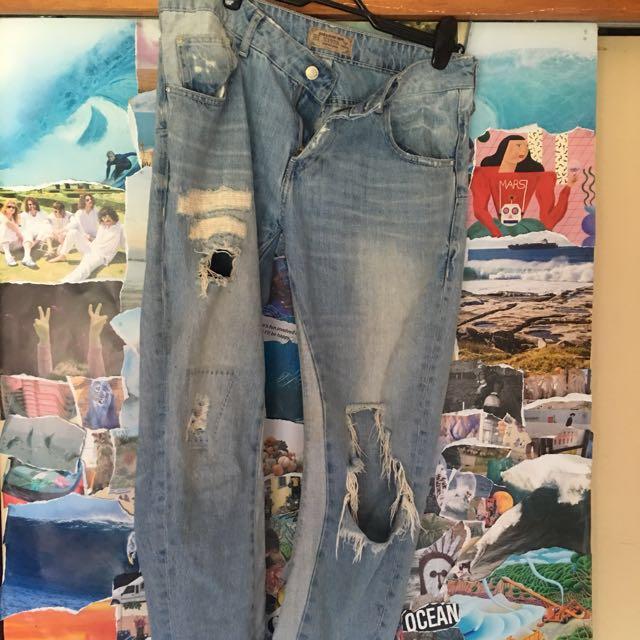 Zara ripped bf jeans