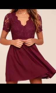 🚚 S) lulu's 英美品牌蕾絲雪紡拼接酒紅洋裝