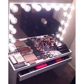 Vanity station (mirror, table and stool)