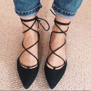 Pointed Toe Tieup Shoes