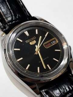 SEIKO 5 Automatic watch  Bezel 36mm