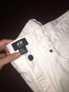 White(Skinny fit) pants (H&M size: EUR-30/ US-30)