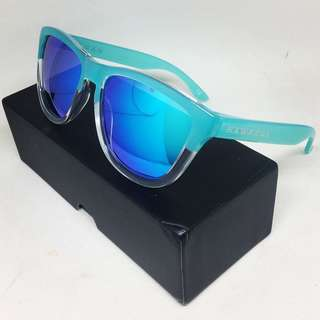 Hawkers Co. - Bicolor Tiffany . Clear Blue