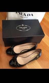 Prada shoes 小踭鞋連盒及塵袋
