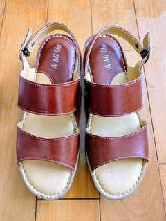 🚚 [可議價] Amiya台灣製 二字寬帶真皮手工氣墊涼鞋 38號