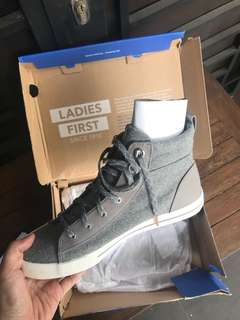 KEDS SUEDE BOOTS