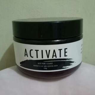 Activate Bentonite & Charcoal Clay Mask
